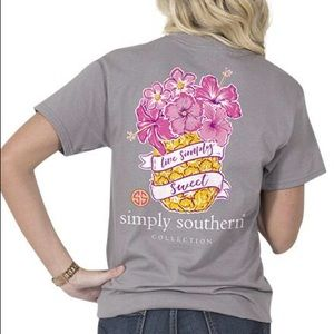NWT Simply Southern Pineapple T-Shirt